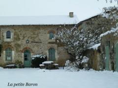 la Petite Baron sous la neige.jpg